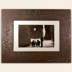 """Cornice in metallo trattato (all'interno"""" Siria Aleppo """" foto di Franco Pagetti)"""