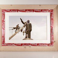 """Cornice """"Pop Art"""" in legno e lamina di alluminio (all'interno """"Baghdad """" foto di Franco Pagetti)"""