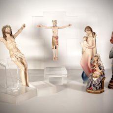 Figure sacre in legno dipinte a mano e foglia oro